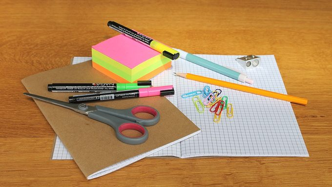 desk-1574669_1280.jpg